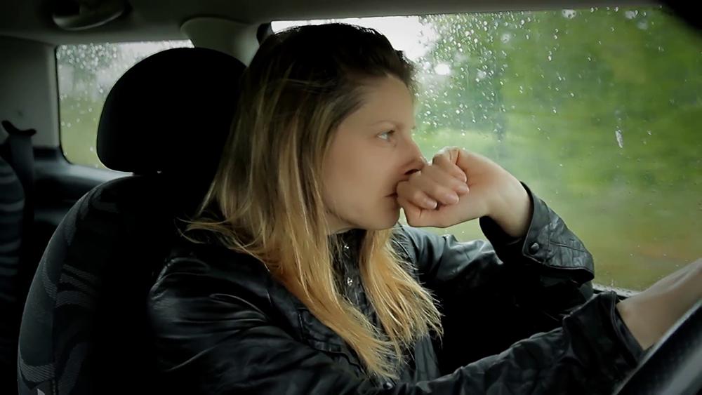Hạn chế tham gia giao thông một mình khi có dấu hiệu cảnh báo cơn động kinh